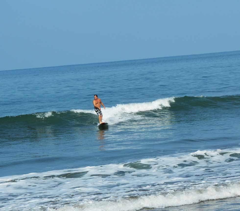 When is the Best Time to Take Surfing Lessons in Costa Rica?