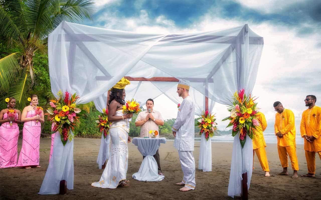 Beach Wedding Queen & Roger