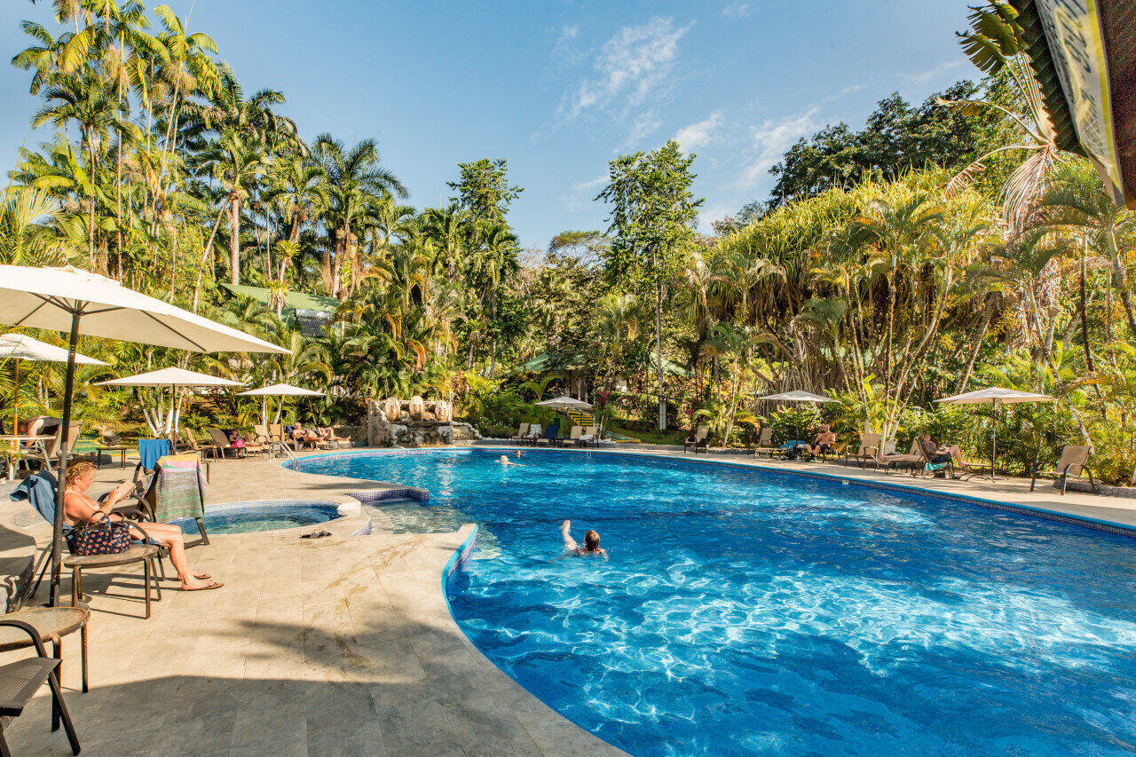 swimming pool in dominical costa rica